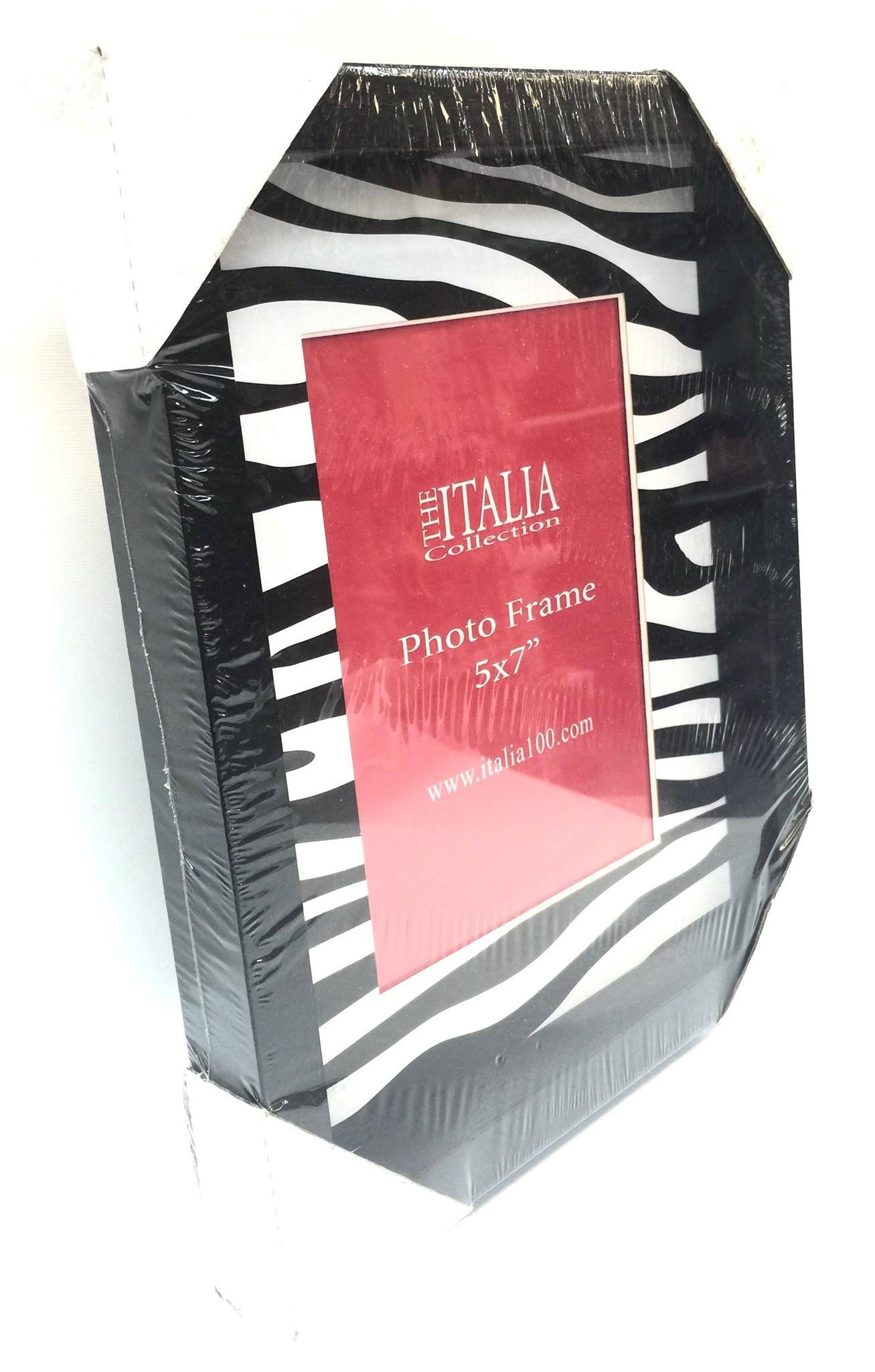 Sq 8x10 Black W/Zebra